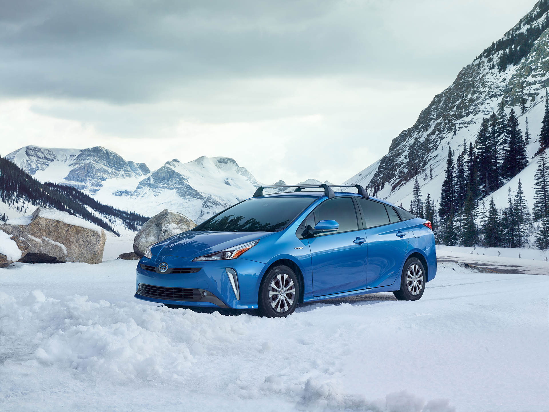 Toyota Prius 4WD-e 2019