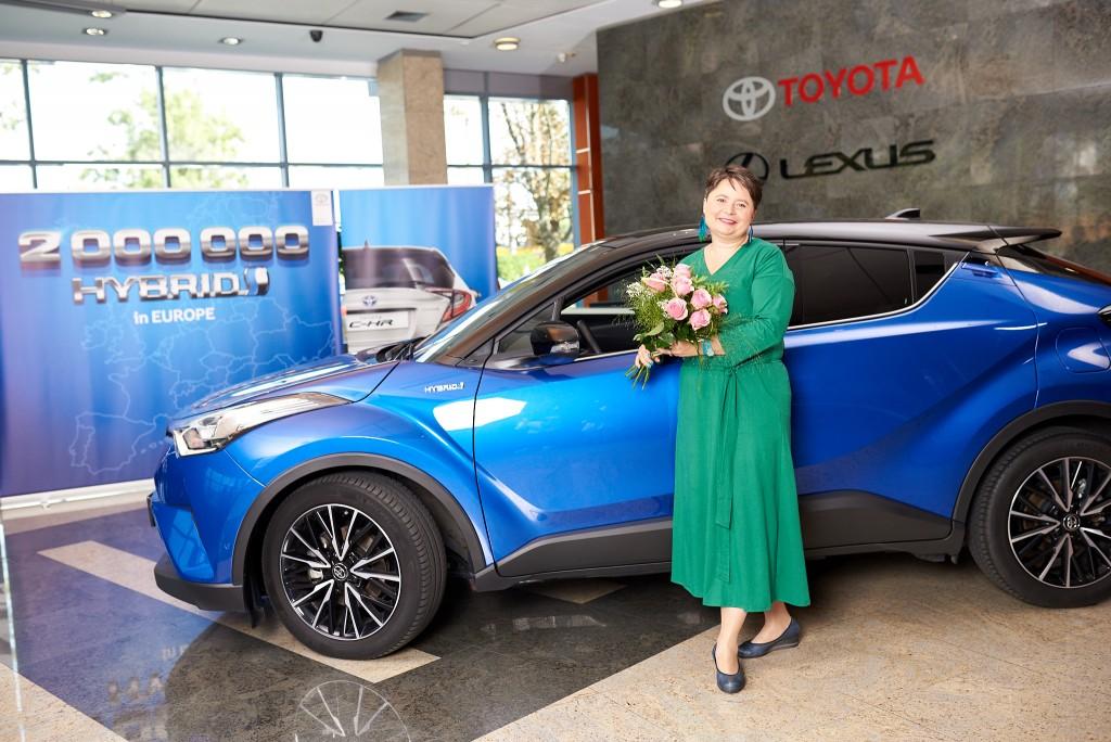 2 milliomodik Toyota hibrid
