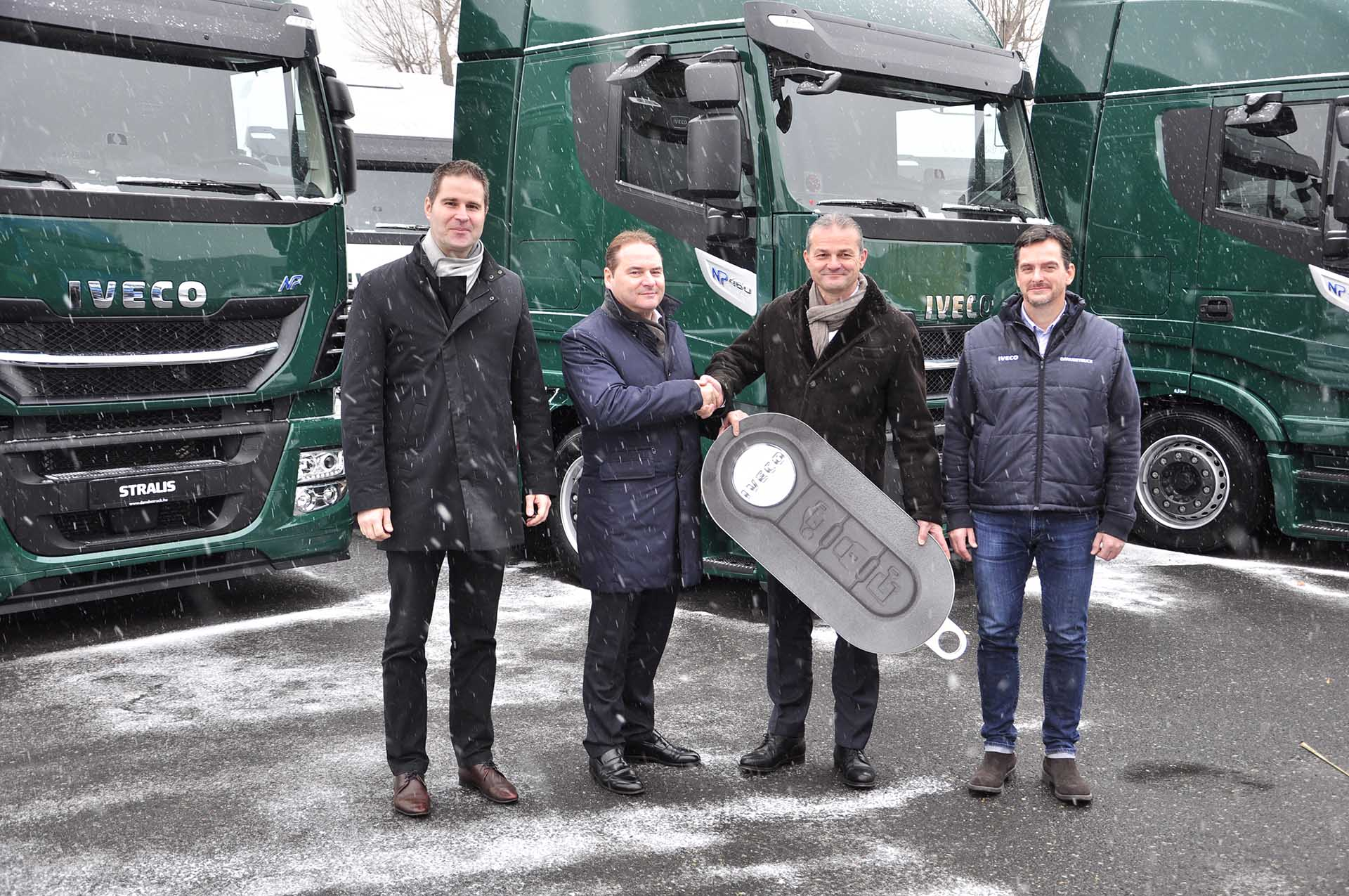 Négy IVECO STRALIS NP 460 LNG