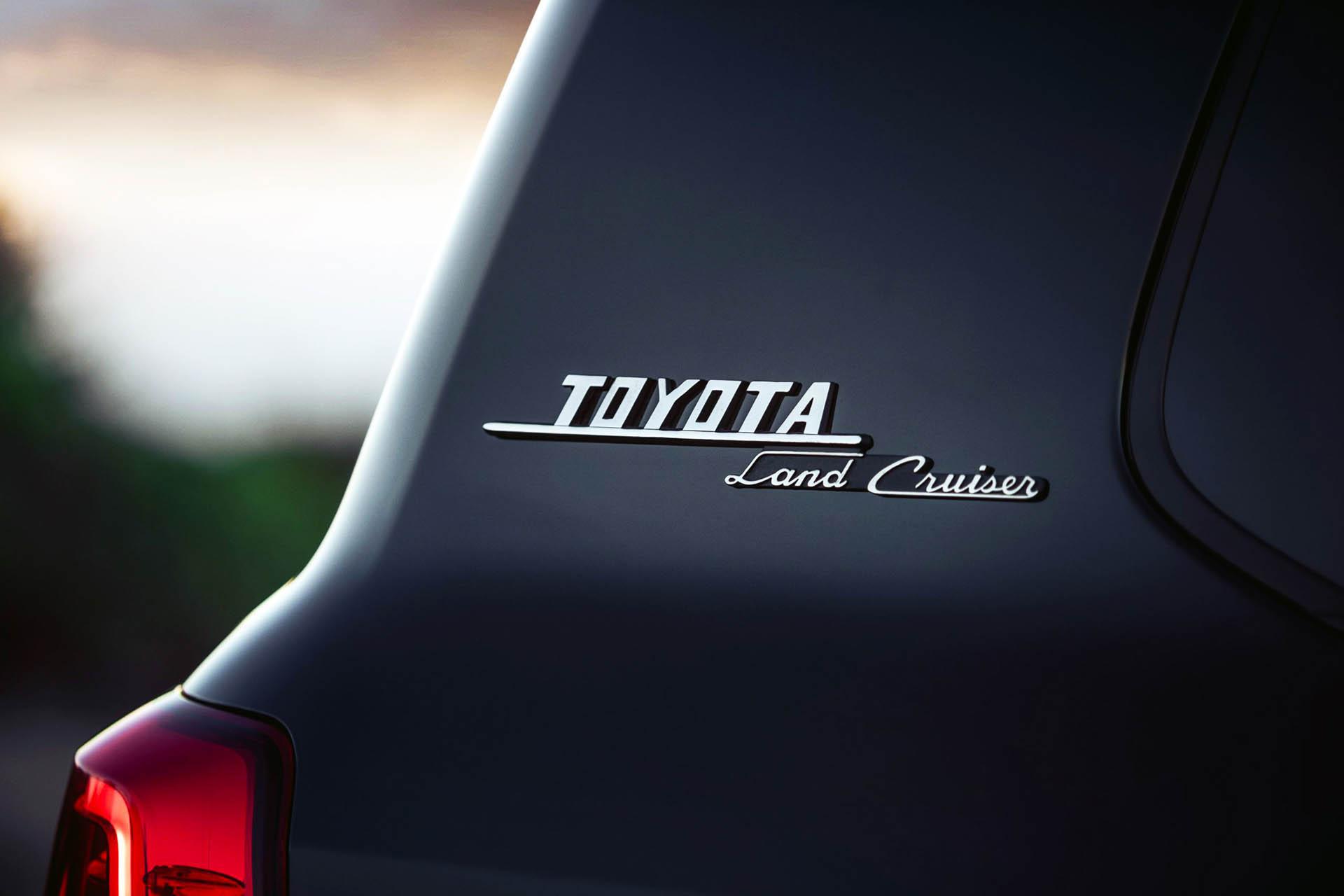 Toyota Land Cruiser 200 Heritage Edition