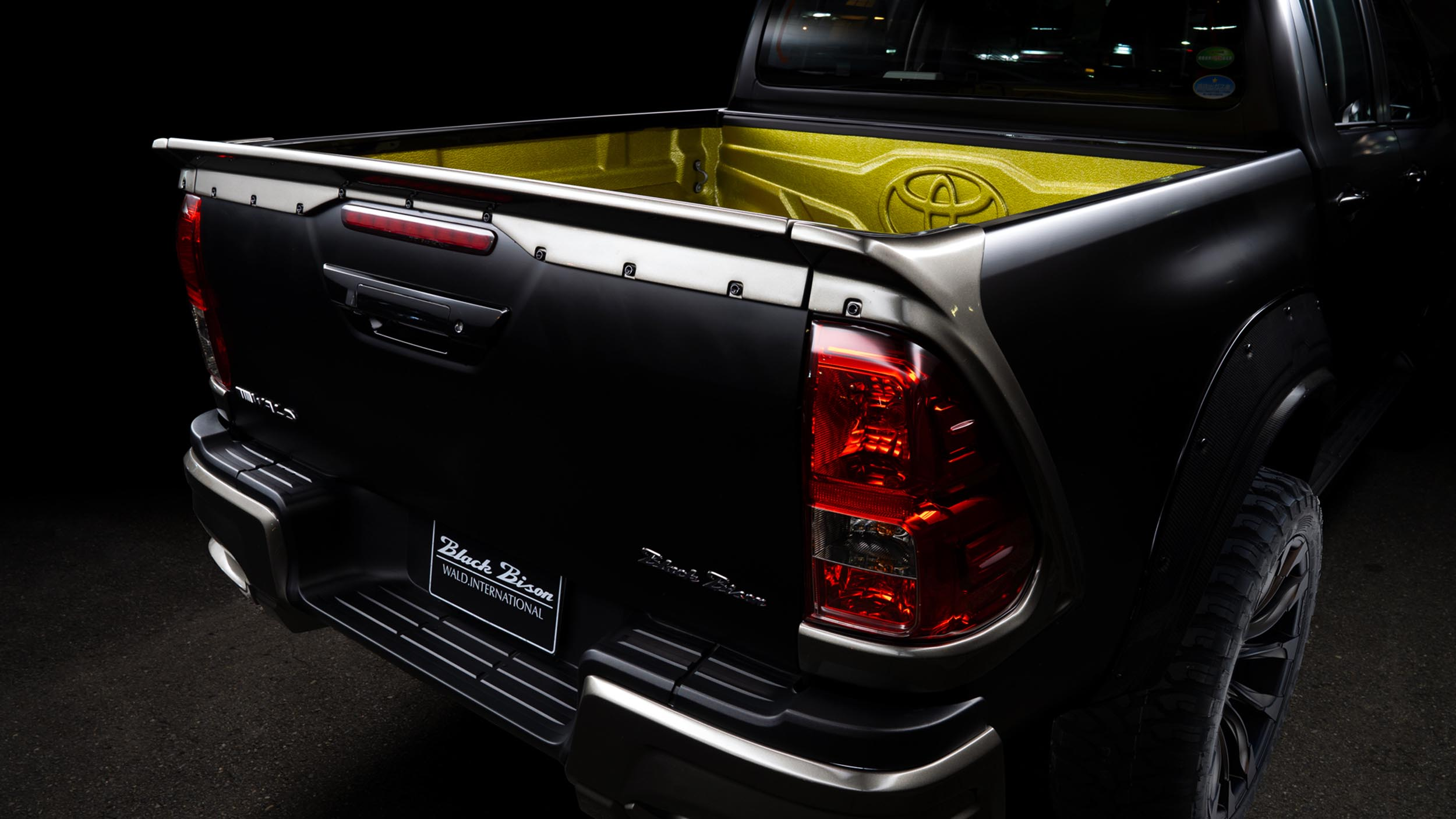 wald toyota hilux sports line black bison edition 26