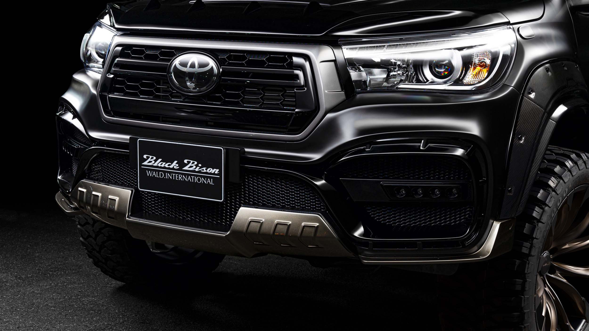 wald toyota hilux sports line black bison edition 67