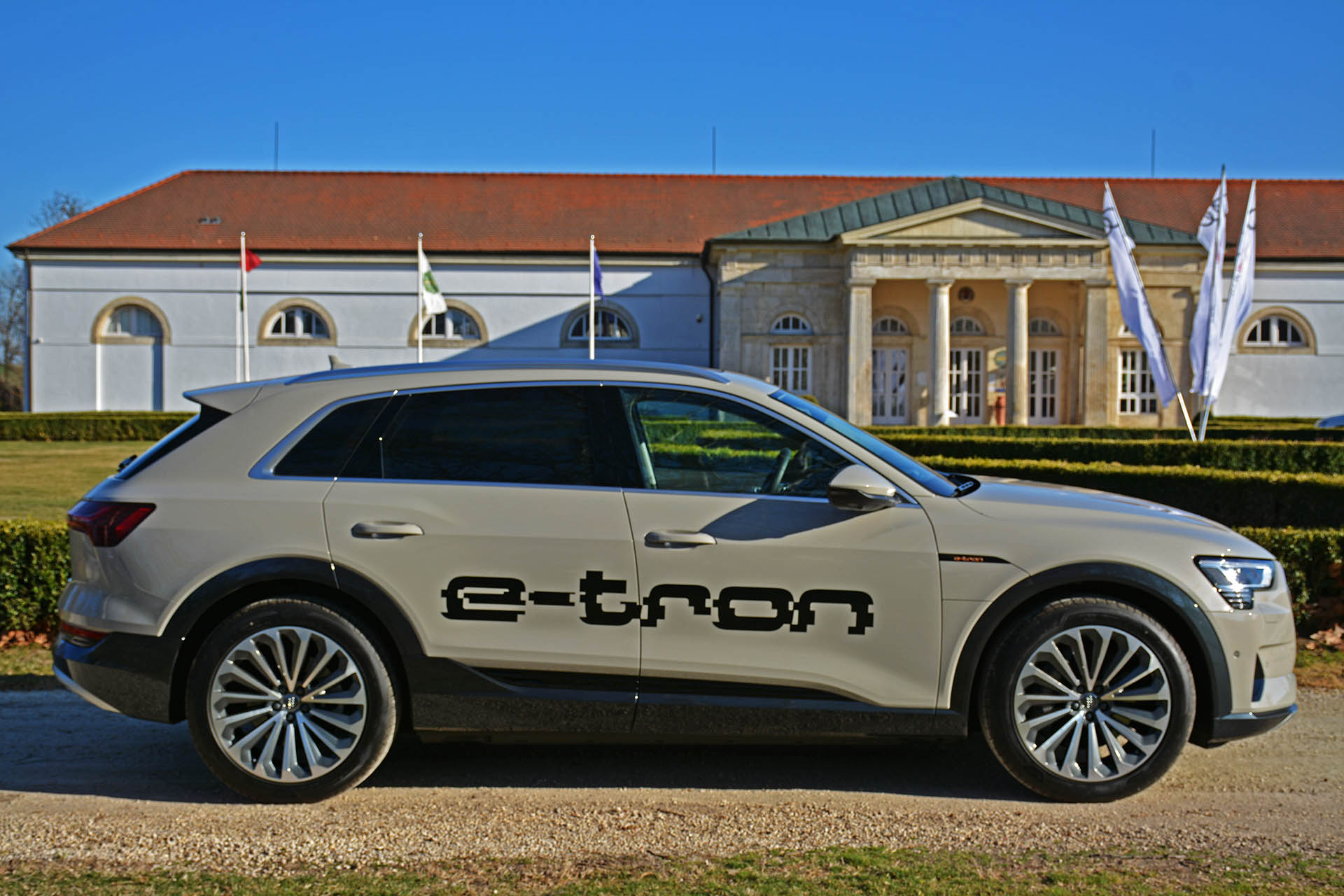Audi e-tron visszahívási akció