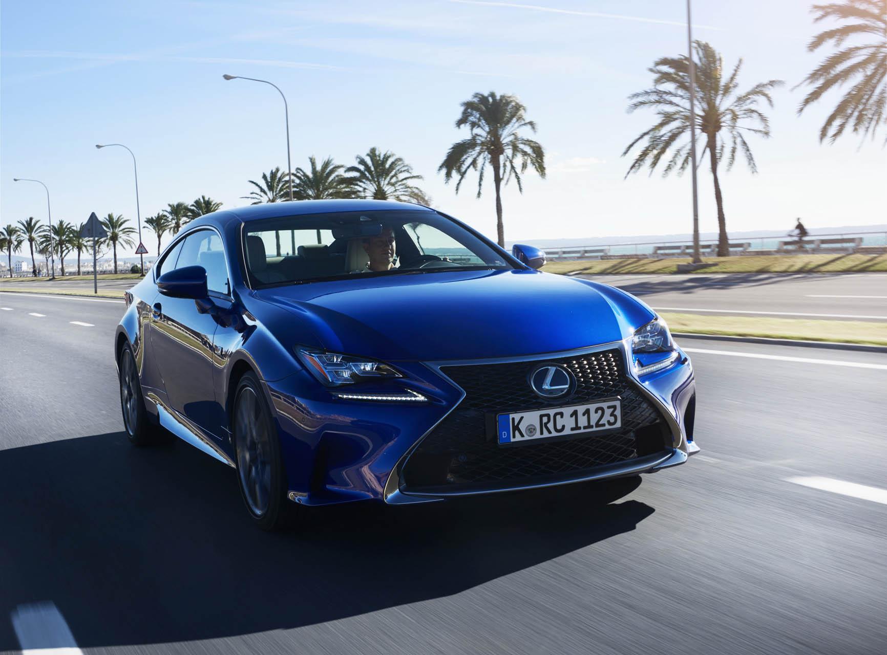 Lexus és Toyota