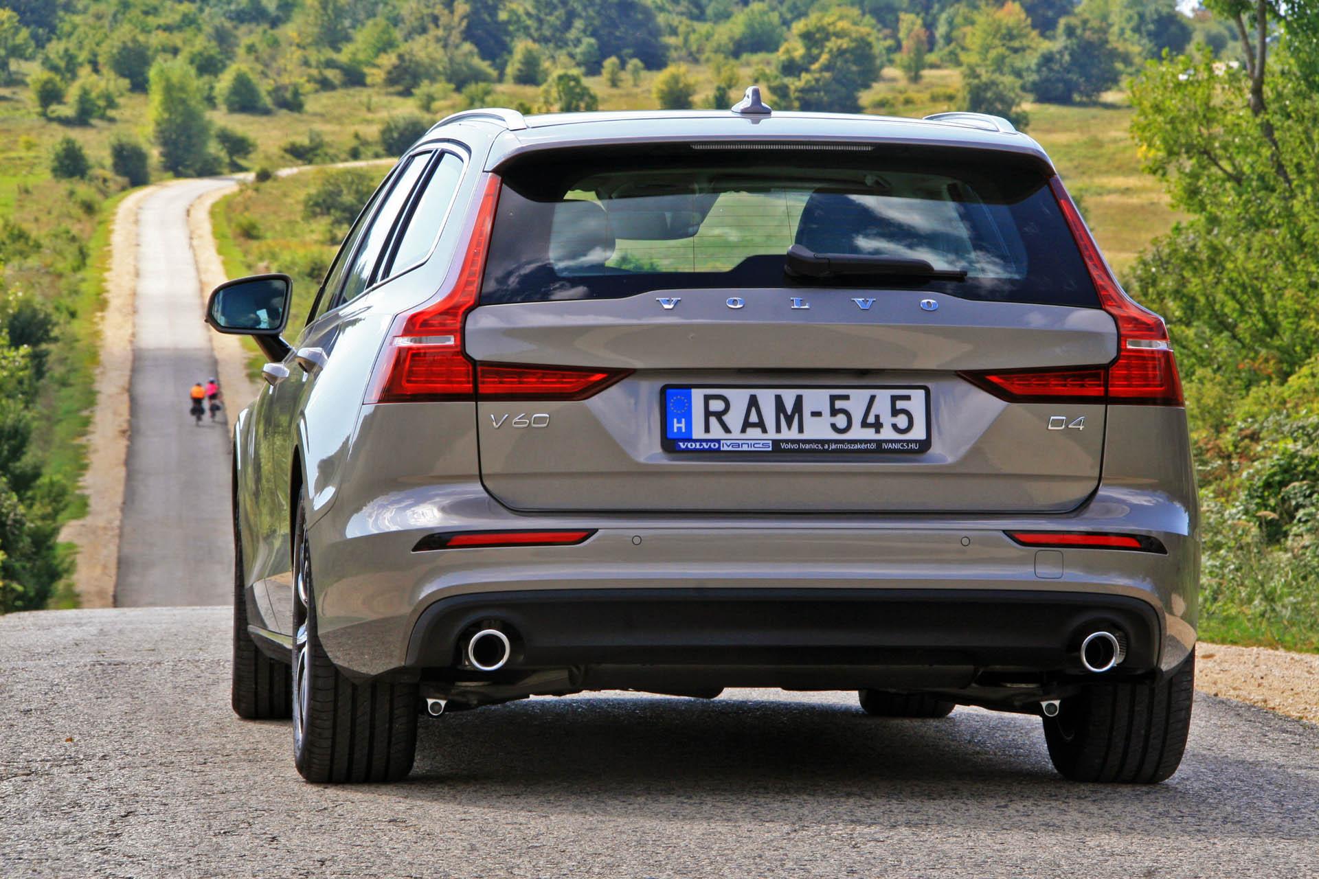 Volvo V60 D4 Momentum 2018